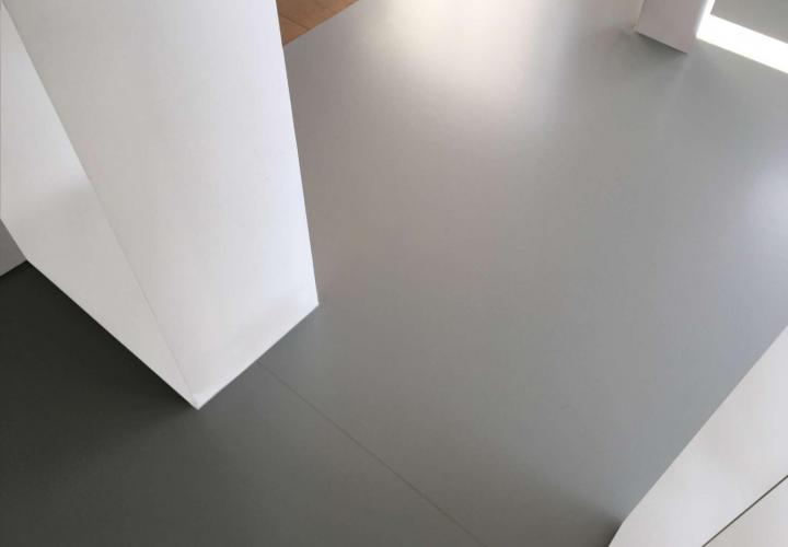 Vloerconcept - PU gietvloer - RAL 7042 - Geel