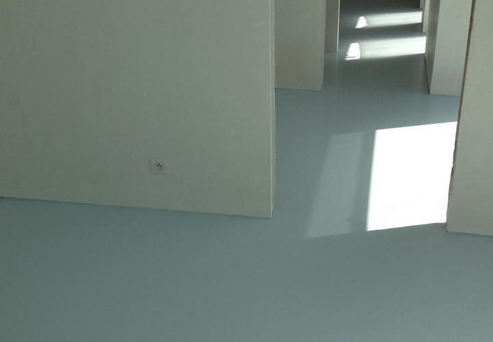 Vloerconcept - PU gietvloer - NCS S1010-R90B