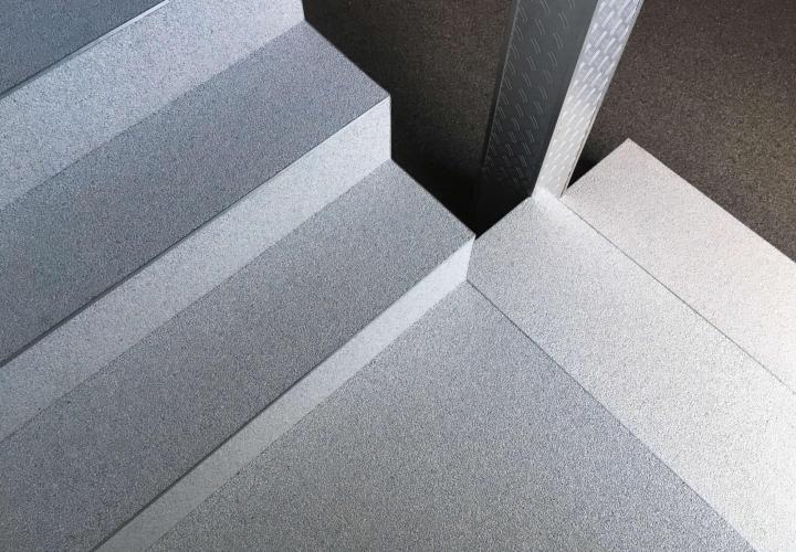 Steentapijt - Kleur S7046 + Trapafwerking - Kleur Q9010