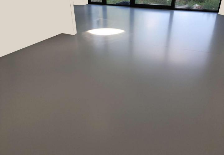 Vloerconcept - PU gietvloer - RAL 7035 - Mechelen