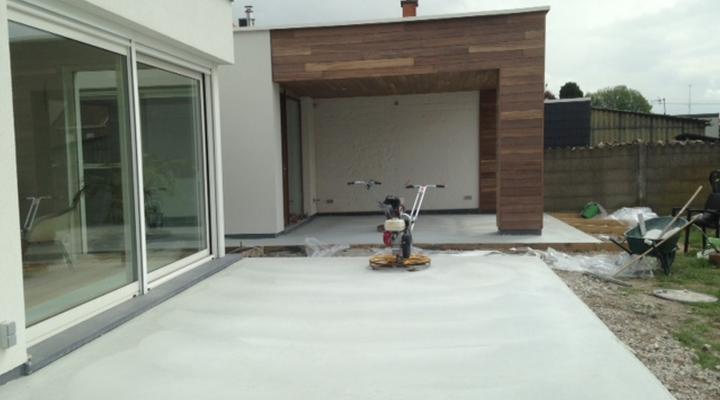 Vloerconcept - gepolierde betonvloer - kleur : wit